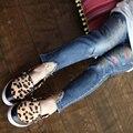 2017 Новый Стиль Девушки Джинсы Дети Шутник рваные джинсы Эластичный Пояс Моды Брюки Высокое качество горячей продажи