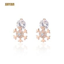 цены Cute Charm Rose Gold Snowflake Stud Earrings for Women Lovely Color Clear Crystal Earrings 2019 Fashion Jewelry Party Gift New
