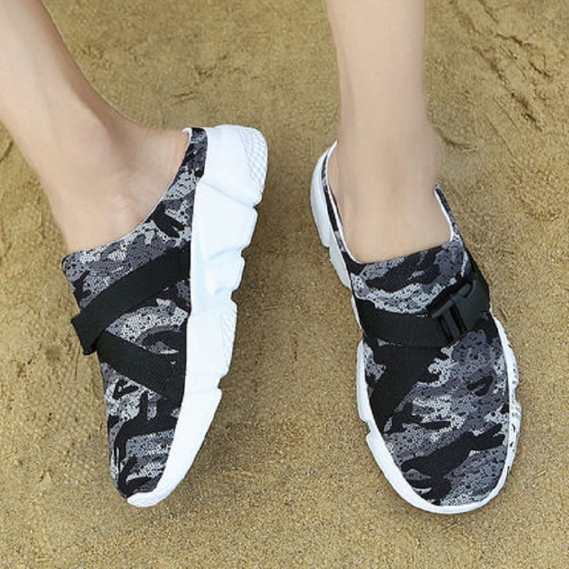2018 summer men's hole shoes beach shoes sandals tide fashion wear semi-skid sandals 58