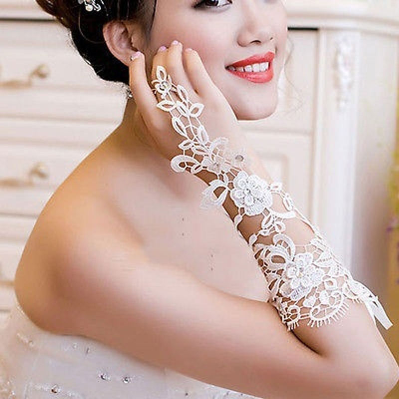 New White Indoor Decoration Prom Gloves Sexy Lace Flower Rhinestones Fingerless Gloves Beautiful Party Gloves Good Quality