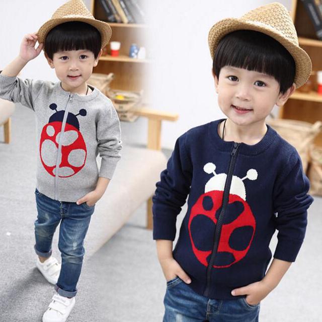 Nuevos muchachos de la llegada ropa niños suéter capa de la rebeca sudadera niños clothing mariquita animal de algodón azul/gris para 2-10 años