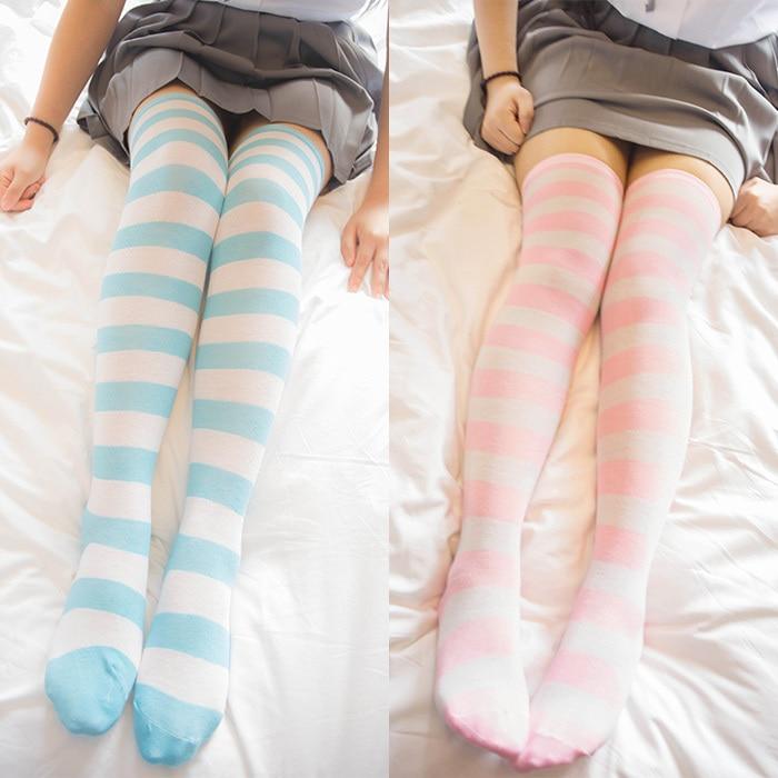 MIKU Azul blanco / rosa blanco Rayas anchas calcetines hasta la rodilla calcetines muslo lindo Tamaño L / XL al por mayor 4 par / lote