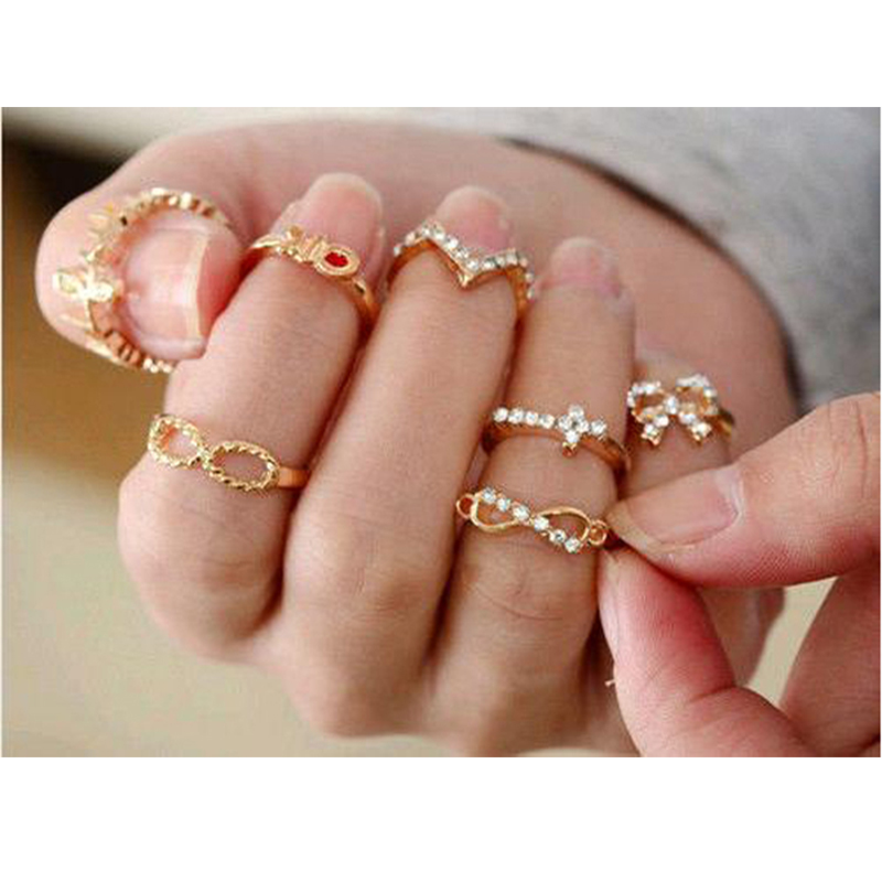 1 Set of 7pcs Crystal Bowknot Knuckle Rings Set Hollow Cross Clover Mid Finger Ring Women Rhinestone Womens Jewelry