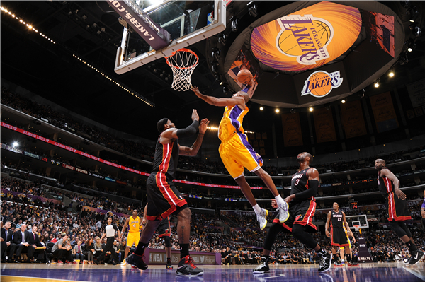 Decorative Kobe Bryant Posters Slam Dunk Stickers Custom Canvas NBA Basketball Wallpaper Kids Wall Sticker Home Decor #P1361#