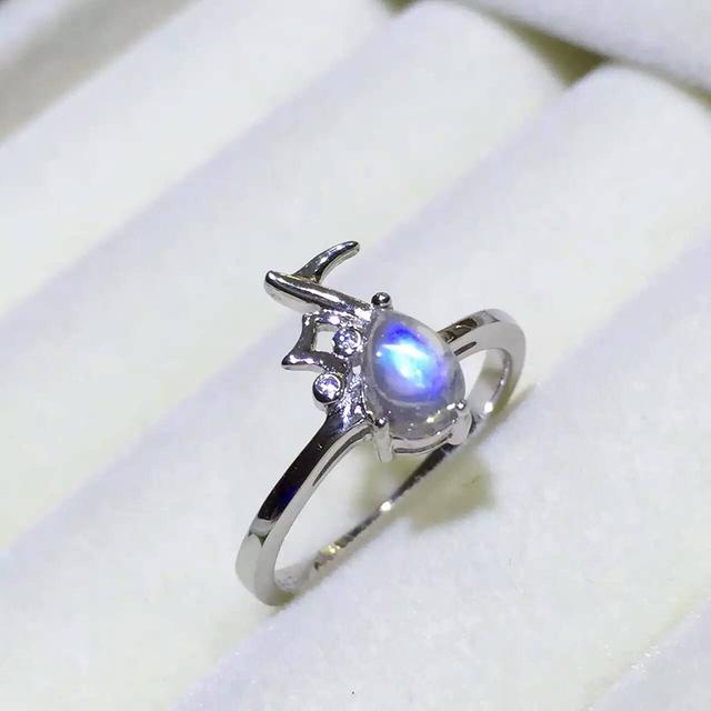 Elegante anillo de plata de la manera para la muchacha pura plata de ley 925 símbolo de música anillo natural 4*6mm luz de la luna de piedra natural anillo