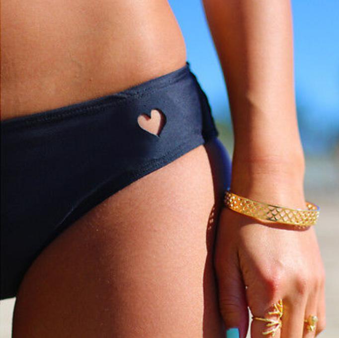 2020 New Women Brazilian Cheeky T-Back Cut Out Thong Bottom Bikini Swimwear Sexy Love Heart Cut Out Bottom G Strings Thongs 2