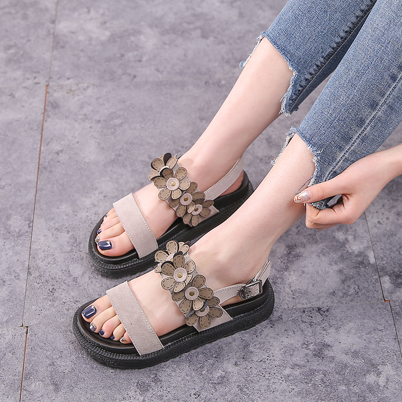 Us 27 73 27 Off Big Size 42 43 Women S Summer Shoes 2019 Flowers Flat Heel Sandals For Teenage Girls Platform Women Sandals Casual Laides Shoes In