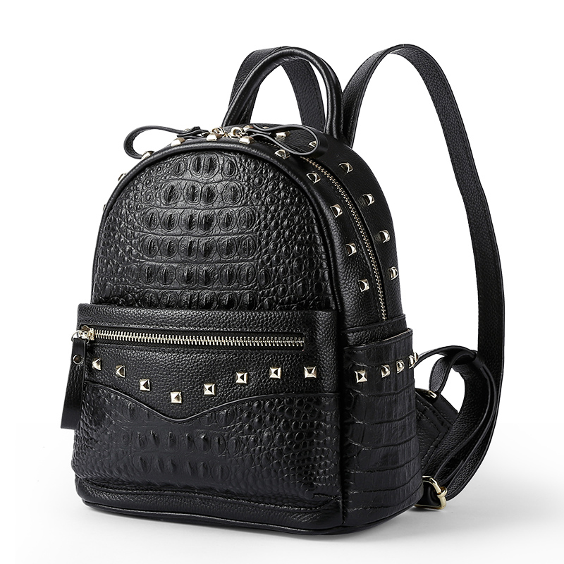 2018 Crocodile Pattern Real Leather Feminine Backpack Women Rivet Vintage Female Daily Laptop School Bag for