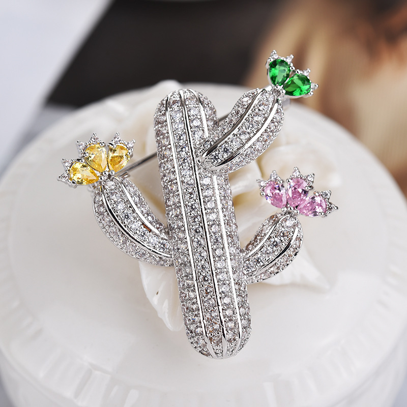 New simple stylish wild cactus micro inserts zircon brooch women's high quality corsage cactus brooch