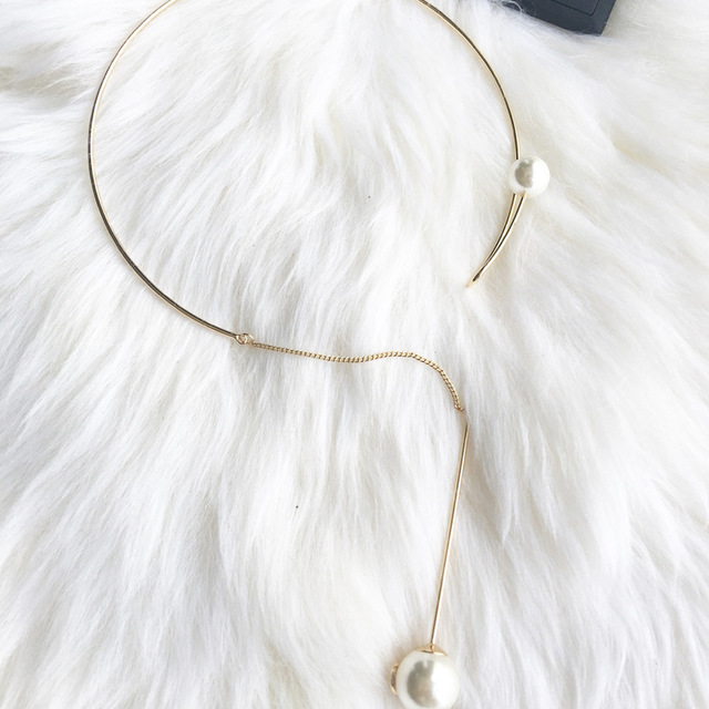 Torques Metal Round Necklace