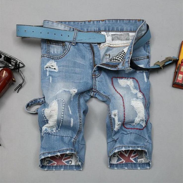 Verano 2016 de Los Hombres de Moda Shorts Ripped Motorista Parches agujero de luz Blue Jeans Marea Flanger Trajes de Carga Pantalones Cortos