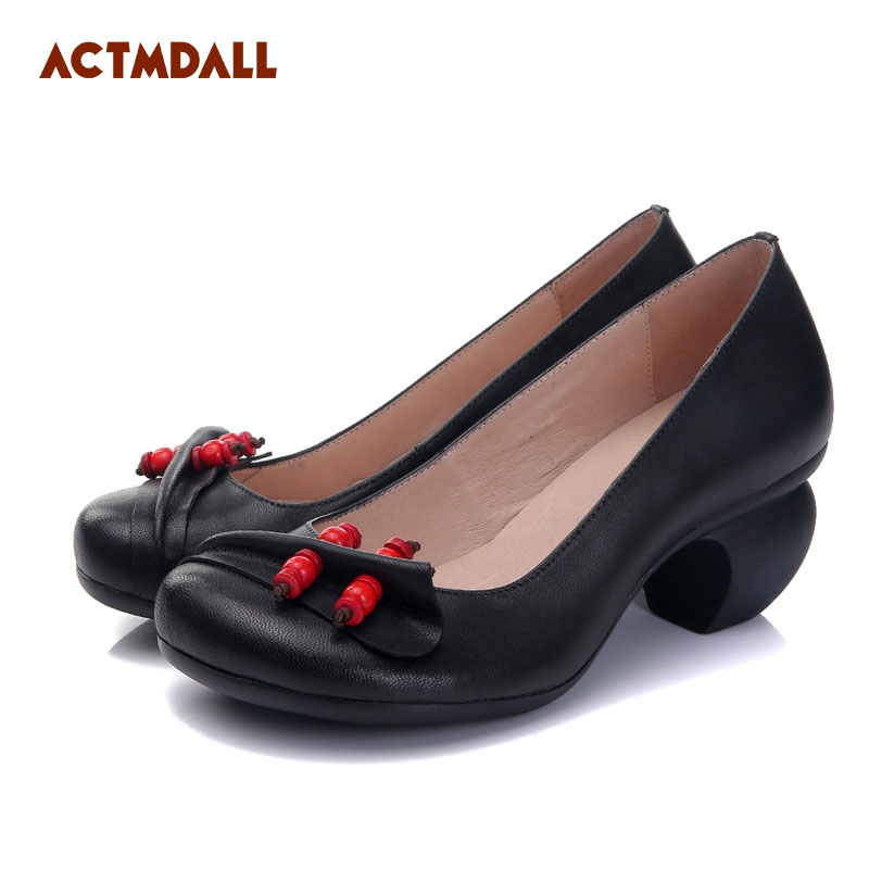 2018 spring and autumn woman pumps vintage sheepskin women shoes casual shallow mouth leather thick heel ladies shoes black red 2018 spring summer new women s pumps scrub sheepskin flowers rhinestone coarse high heel shallow mouth craft shoes