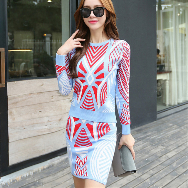 Popular Pattern Winter Arrival Women Geometry Knitting Set Long Sleeved Sweater Top and Skirt Casual Suit  Blue Black