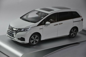 1:18 Diecast Model for Honda Odyssey Sport Hybrid 2019 White MPV Alloy Toy Car Miniature Collection Gifts