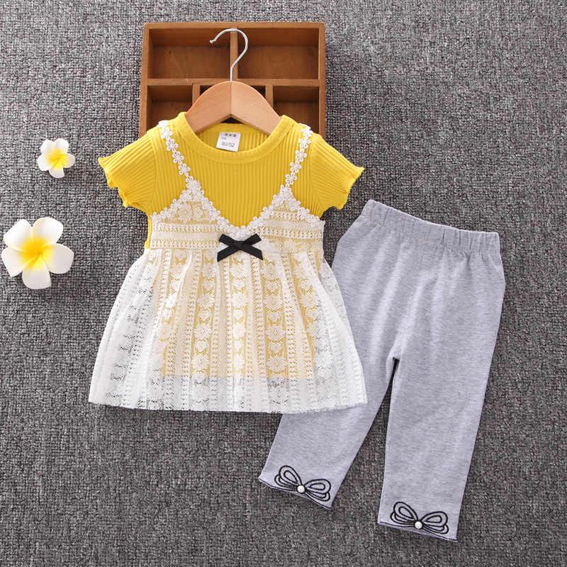 Милая одежда для маленьких девочек летние корейские кружевные футболки с короткими рукавами + штаны средней длины спортивные костюмы из двух предметов для детей, Bebes, спортивные костюмы
