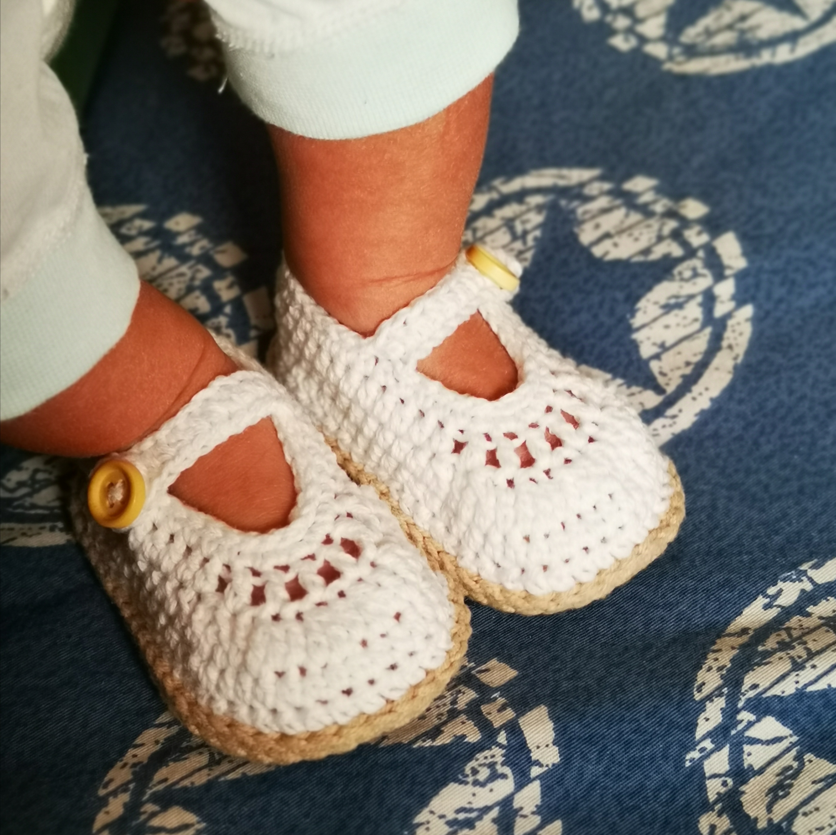 QYFLYXUEHand-woven Spring And Summer Baby Sandals Neonatal Soft Sole Wool Shoes Infant Hollow Wool Sandals