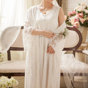 Image 5 - בציר חלוק כתונת תחרה סט עבור גבירותיי רקמת הלבשת נסיכת חלוק שמלות נשים חדש אופנה