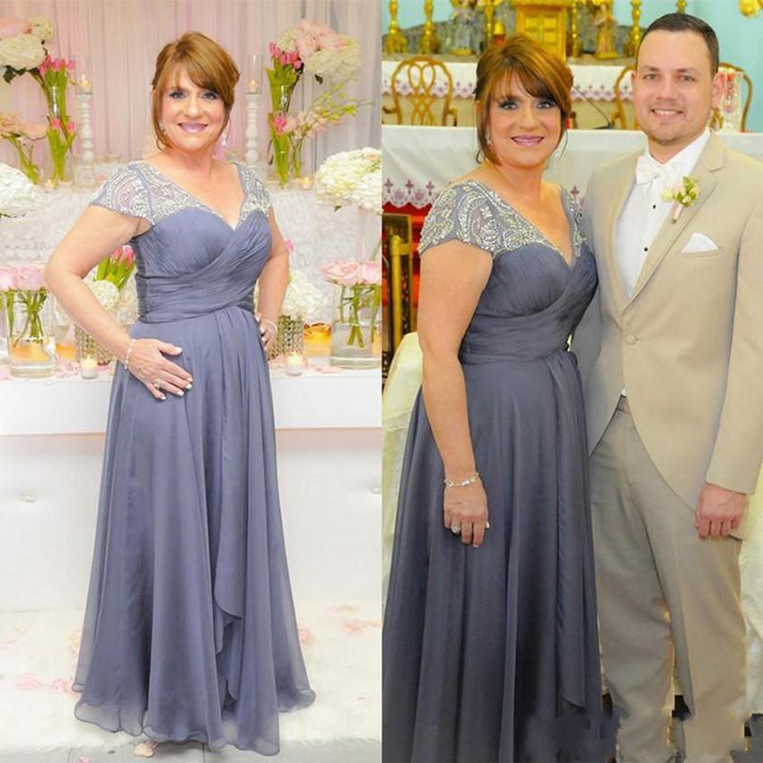 2019 grande taille mère de la mariée robes col en V longues robes de soirée formelles avec perles à manches courtes en mousseline de soie mère robe