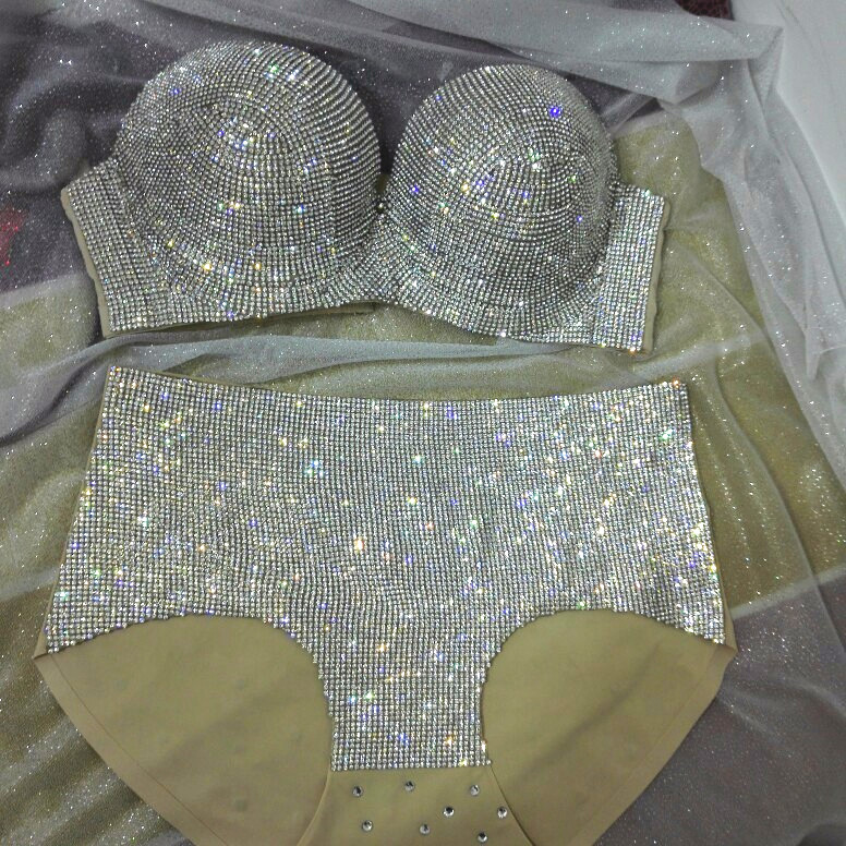 Fashiion 2017 Sexy Crystals Bikini Women Sexy Bling Outfit Silver Gold Bra Short Costumes Singer Stage