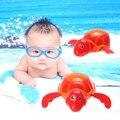 Bonito Tartaruga Nadando Brinquedo Cadeia Clockwork Wind-up Banheira de Banho Brinquedo Do Banho Do Bebê Que Joga o Brinquedo para Crianças Cor Aleatória