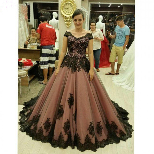 Long Plus Size Prom dresses 2017 Appliqued with Black Lace A Line  Graduation Chiffon Evening Gown a020a6c94a8d