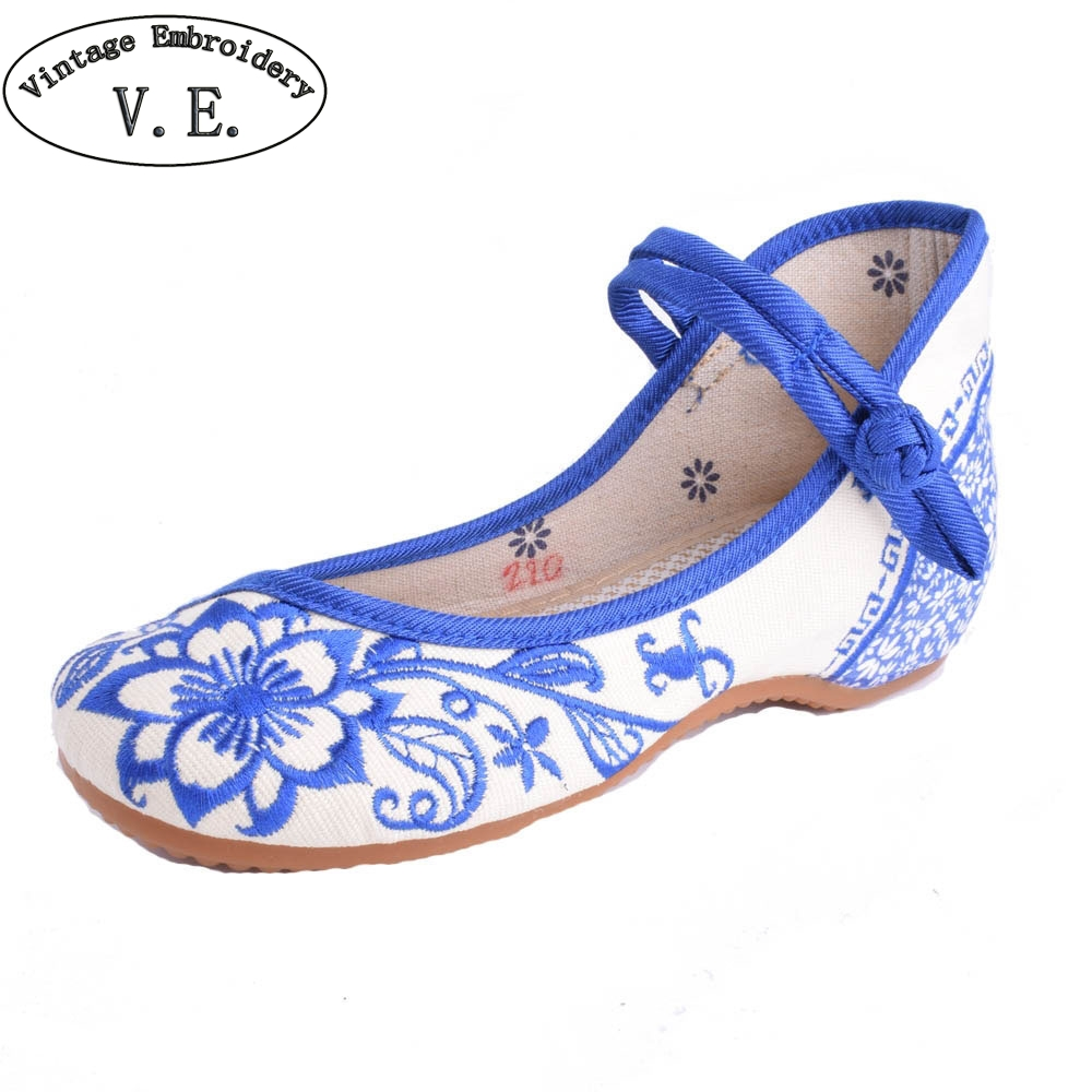 Plus Size 41 Chinese Women's Shoes Blue And White Flats Casual Embroidery Shoes Mary Janes Soft Sole Cloth Walking Shoes vintage embroidery women flats chinese floral canvas embroidered shoes national old beijing cloth single dance soft flats