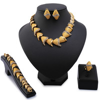2017 Mary Top Exquisite Dubai Jewelry Set Luxury Gold Plated Big Nigerian Wedding African Beads Jewelry