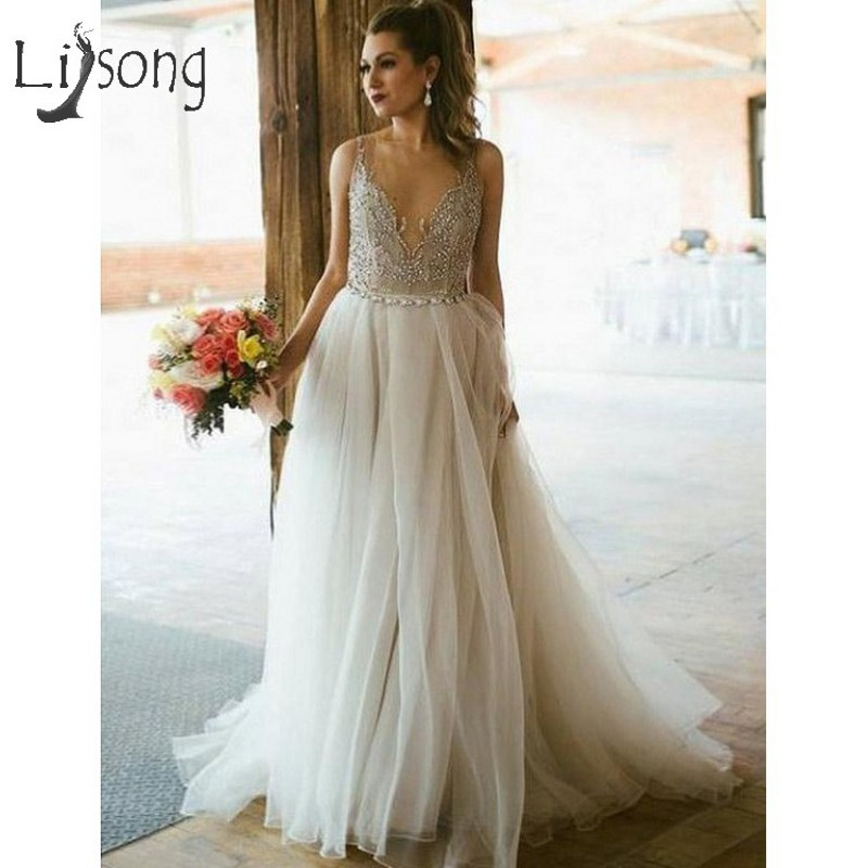 Pretty Beach Beige Tulle Wedding Dresses With Crystal