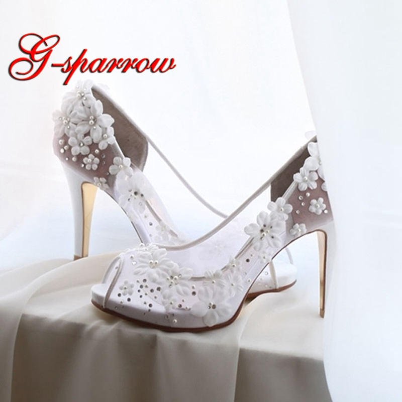 2018 Spring New Style Bride Wedding Banquet Party Shoes White Lace Peep Toe High Heels Beautiful Flower Adult Ceremony Pumps stylish flower feather pleated lace fascinator headband wedding banquet party cocktail hat