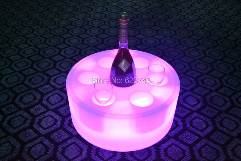 ФОТО 4Pcs/Lot Waterproof Round illuminated LED floating Champagne Holder Ice Bucket Rechargeable,Glowing Coaster Led flytande poolbar