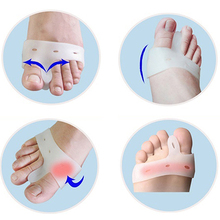 New Fashion 2 Pcs Silicone Toe Hallux Valgus Separator Straightener Bunion Relief Soft Pads