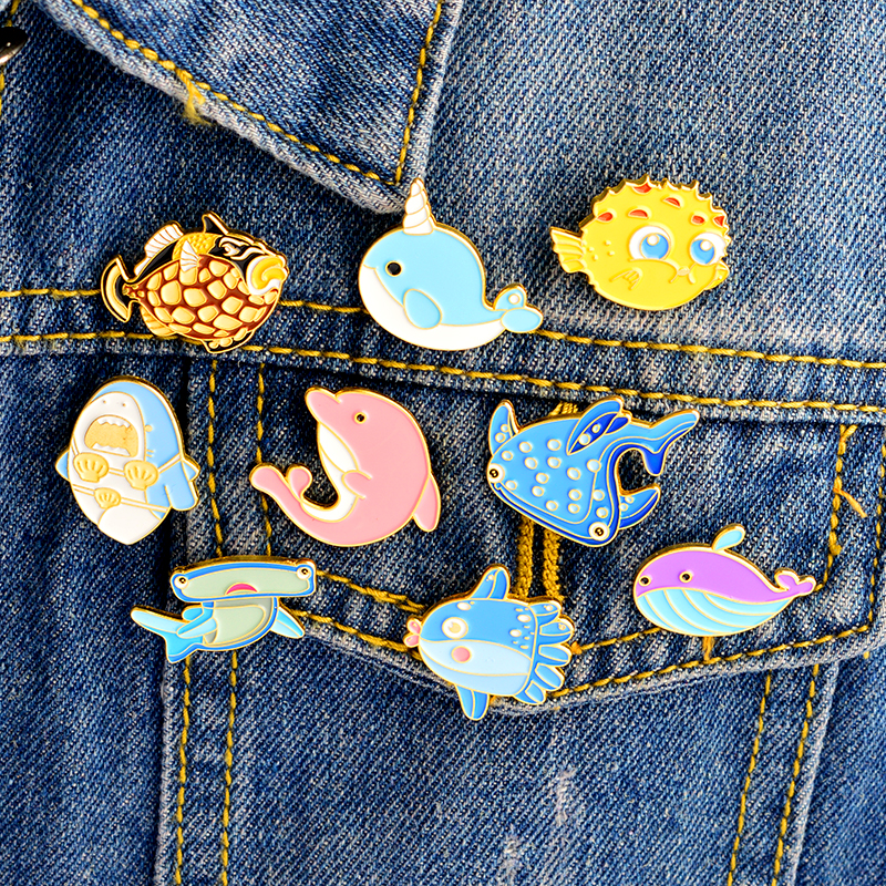 Marine Life Pin Sea Whale Shark Narwhal Octopus Enamel Pins Badges Pink Dolphin Lapel Pins Brooches Shirt Bag Jewelry Women Gift