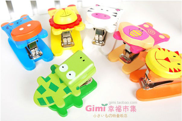 Free Shipping 6pcs/lot Hot Sale Mini Lovely Cute Cartoon Colorful Wooden Stapler/Animal Stapler 6 Different Styles Wholesale