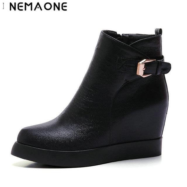 Nemaone 2017 большой Размеры 34–43 осенние сапоги Модные женские ботинки на танкетке с острым носком на платформе черного и золотого цвета серебряные сапоги