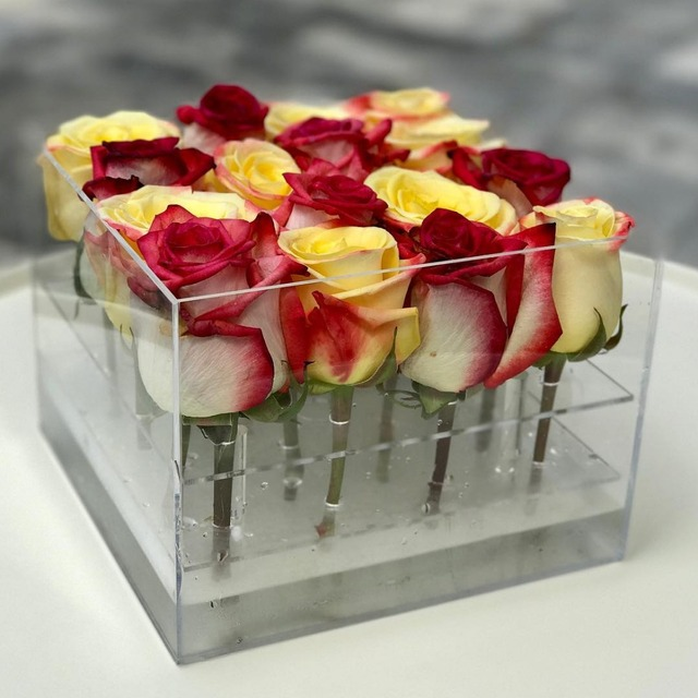 2018 aila clear acrylic makeup boxes for long stem roses packaging