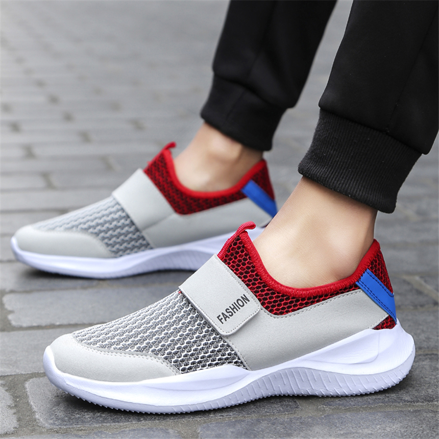 Stor størrelse 38-46 Menns Casual Sko Sneakers Sommermesh Breathable Comfortable Men Shoes Loafers footwears Slipon Walking