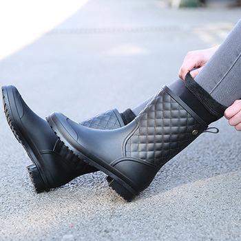 2018 moda gumowe ciepłe buty nowa w kratę casual gumowe buty damskie kalosze buty do wody w tubie damskie buty przeciwdeszczowe dla dorosłych tanie i dobre opinie wenjie brother Połowy łydki Pasuje prawda na wymiar weź swój normalny rozmiar Okrągły nosek Wiosna jesień Slip-on