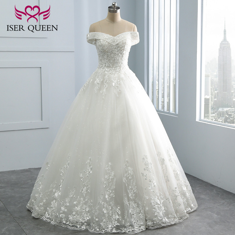 Vintage Embroidery A line Lace Wedding Dress 2018  Cap Sleeve V neck Sequin Pearls Beaded Plus Size mariage Wedding Dress WX0109