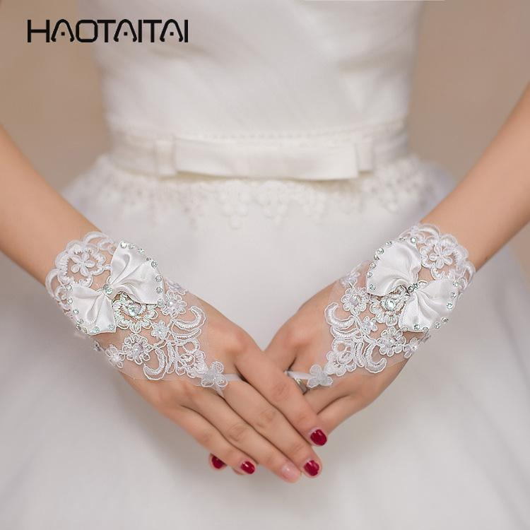 Bridal Gloves Wedding Accessories Pearls Beaded White Bridal Lace Wrist Gloves Fingerless Rings Back Lace Up Wedding Gloves Robe Mariage Femme Blanche G36