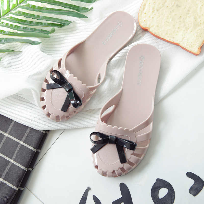 0fcec7f040e5 Women Slides 2019 Fashion Slippers Platform Sandals Summer Bling Beach  Slides Flip Flops Comfortable Flat Shoes