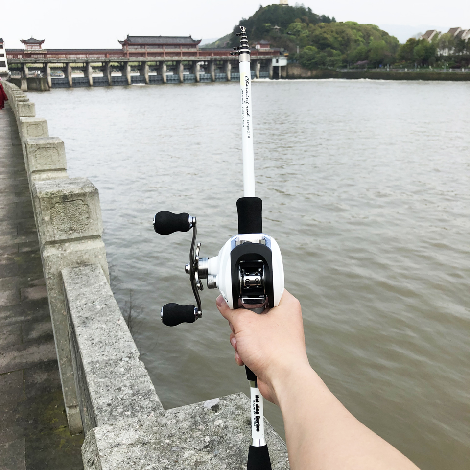 Image 2 - 1.8 2.4m carbon fiber ultralight bait casting fishing rod with 17+1BB reel boat rock pole telescopic rod combos M power lure rod-in Fishing Rods from Sports & Entertainment