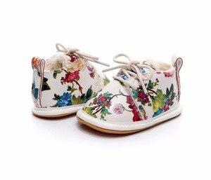 Новинка; зимняя обувь для новорожденных; стильная обувь из искусственной кожи с цветочным принтом; обувь для малышей; теплые зимние ботинки ...