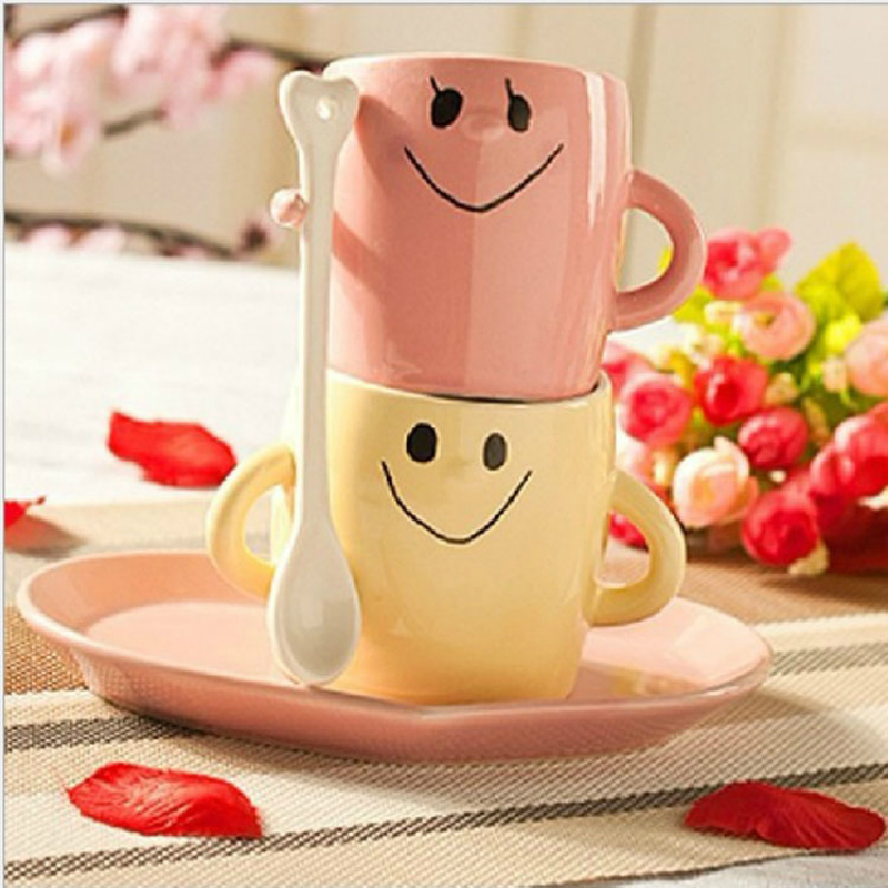 Sweet holding hands holding cups Couple breakfast ceramic mugs with spoon plate milk mug Creative expression girls gift