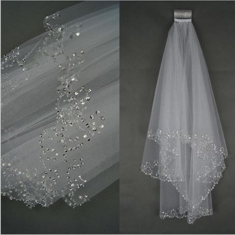2018 Short Beaded Wedding Veil Two Layer White/Ivory Sequin Tulle 75 CM Length With Comb Beaded Edge Woman Bridal Accessories