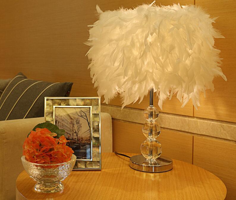 Новая настольная лампа уютная спальня прикроватная лампа настольная лампа творческие романтические Свадебные Кристалл перо хрустальные л...