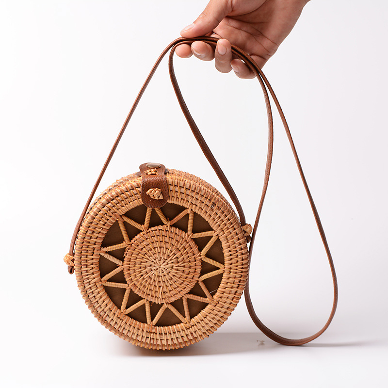 Handmade Rattan Women Shoulder Bag Hot Sale Female Travel Butterfly Bag Hollow Out Messenger Bag With PU Leather