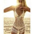 Hot Mulheres Sexy V-Neck Lace Projeto Padrões de Crochê Biquíni Swimwear Uma Peça Vestidos de Praia Vestido de Banho Branco Verão Vestido de Verão