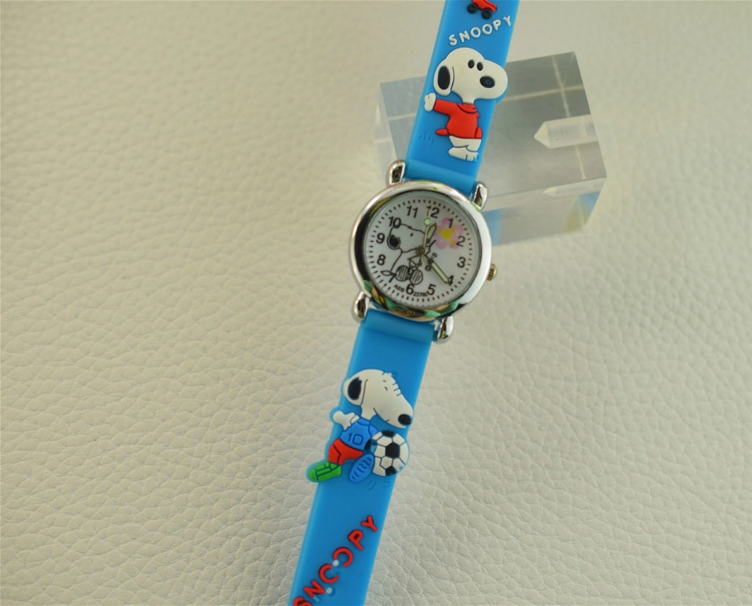 2019 New Fashion Children's Cartoon Snoopy 3d Rubber Band Children's Quartz Watch Student Wristwatch Birthday Gift