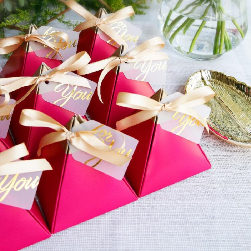 100pcs Rose Red Triangular Pyramid Style Candy Box Wedding Favors Party Supplies Paper Gift Boxes with THANKS Card Chocolate Box package (7)