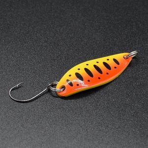 Image 4 - דיג כפות פורל פתיונות 5 יח\חבילה 3.5g 3.4cm מתכת ליהוק לנענע פתיונות עם וו אחת דיג פתיונות